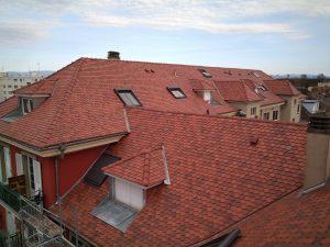 toit à tuile plate