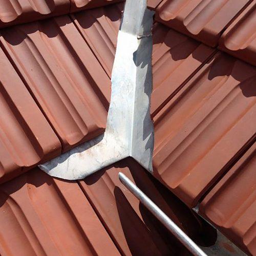 cheneau toiture tuile